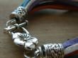 Náramek fialovo-tyrkysové šňůrky