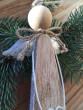 Dřevěný závěsný andílek