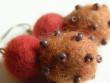 Náušnice vlněné - oranžovočervené drdůlky