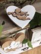 Dřevěné srdíčko s andílkem bílé