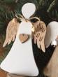 Anděl na stojánku bílý