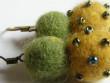Náušnice vlněné - žlutozelené drdůlky