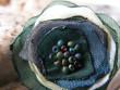 Prstýnek něžný kvítek - tmavě zelený s perletí