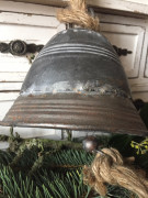 Plechový zvon široký malý