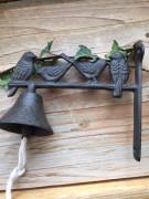 Litinový zvon s ptáčky
