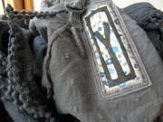 Šátek s třásněmi modro-šedý