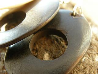 Kostěné náušnice oválky